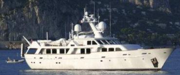 Design of 38 motor yacht Royal Denship 125